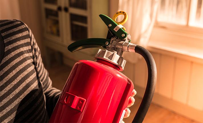 地震・火災に備える!住まいの危険エリア「キッチン」の防災対策