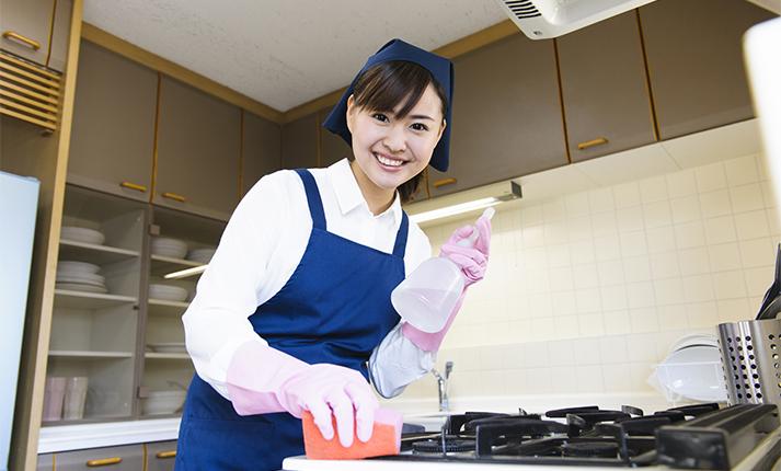 """年末に慌てない!大掃除がラクになるキッチンの""""プレ大掃除"""""""