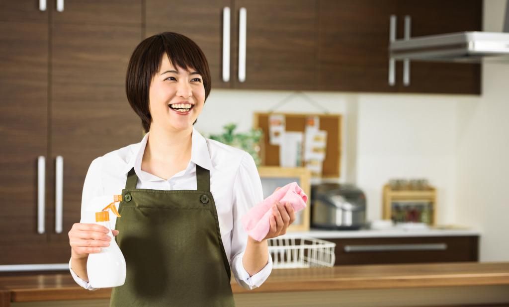 嫌な臭いを元から除去!キッチンのシンク下収納の掃除方法